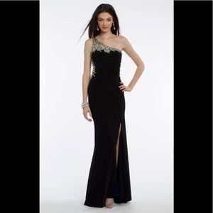 Camille la vie beaded one shoulder gown sz 0